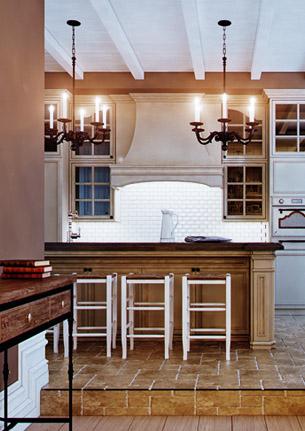 Кухня студия в замковом стиле